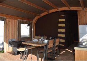 In der Lodge Schloss Campingplatz Suze La Rousse