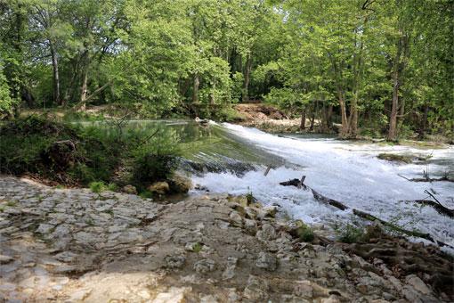camping suze la rousse rivière le lez