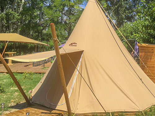 tipi en nature camping Provence